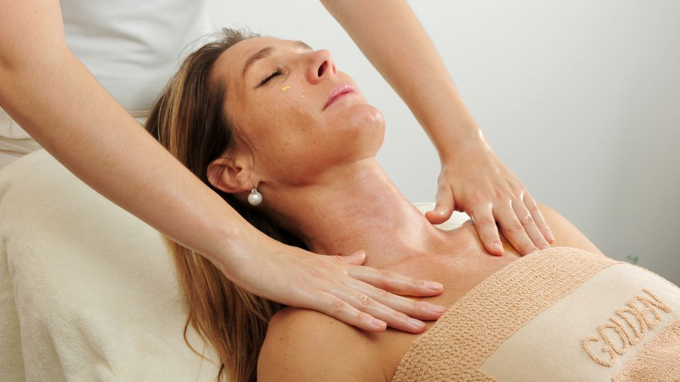 Massaggio nuca e spalle