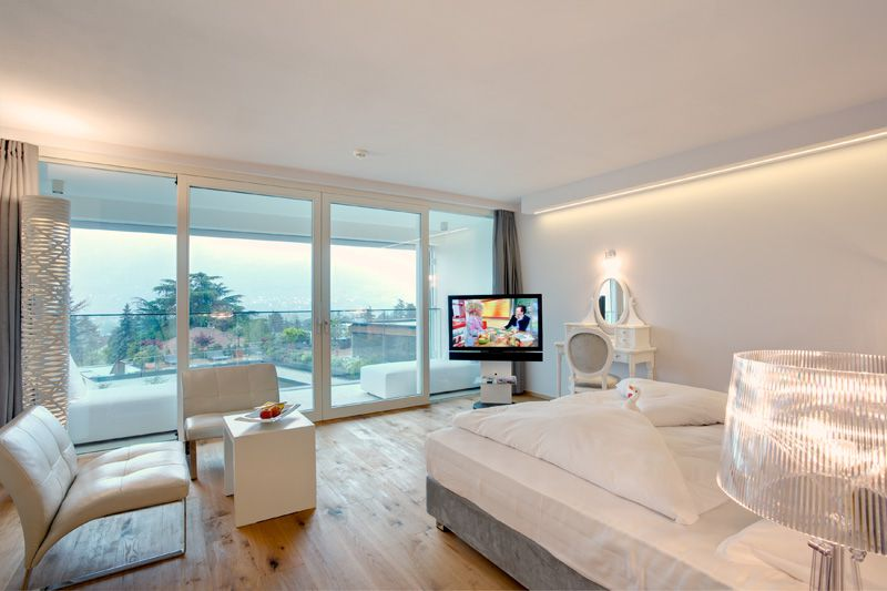 - Luxurious Panorama Suite