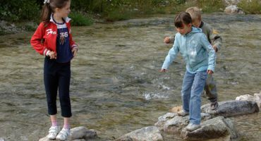 Family holiday in the freshness of the Dolomites