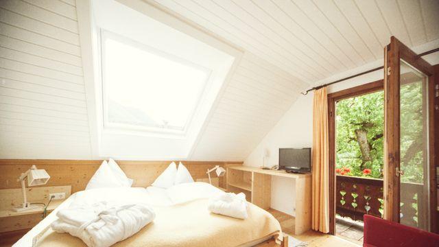 """Doppelzimmer mit Balkon und Seeblick im """"Kleinen Häusl"""" vom Gralhof Nr. - 104"""