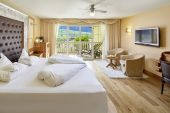 Luxury Suite Lantana