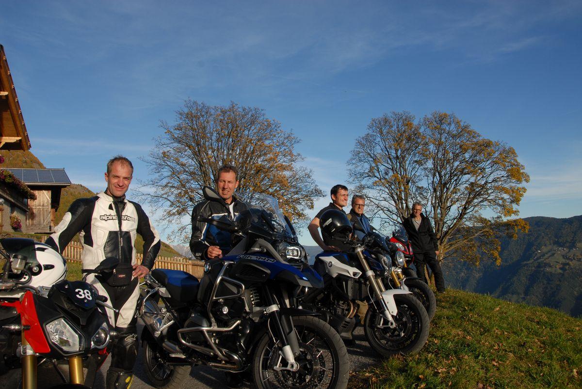 Kurvenrausch mit BMW-Motorrädern von unserem Testcenter | 3 Nächte