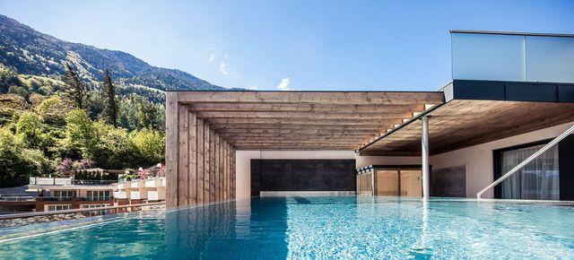 Luxus-Angebot: Das neue Panorama-Chalet mit Pool & Sauna -20%