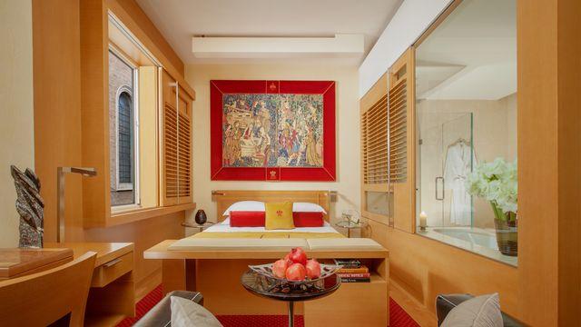 Richard Meier Executive De Luxe Zimmer