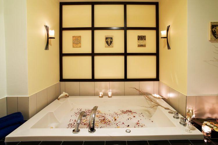Badevergnügen für Zwei | Rosenbad